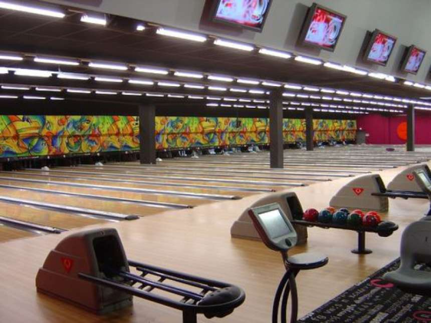 SPL Lanes with Profile Ball Returns and Smile Arch Consoles